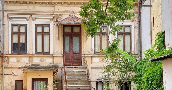 Primăria Capitalei anunță un program de refacere a clădirilor istorice din...