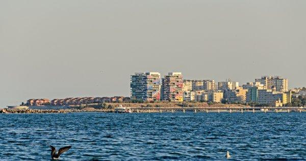 Vacanțele pe litoralul românesc se ieftinesc cu 20% din 23 august și cu...
