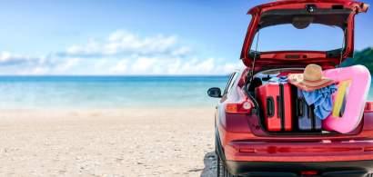 Turistul din București care și-a parcat mașina pe nisipul plajei din Saturn....