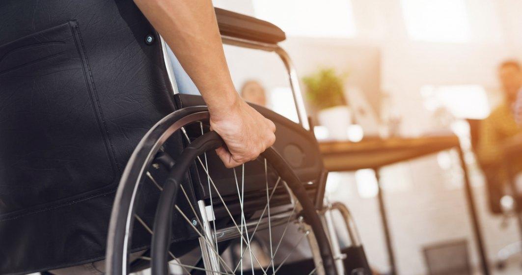 Biletele de transport interurban la care au dreptul gratuit persoanele cu handicap vor putea fi folosite și în ianuarie 2021