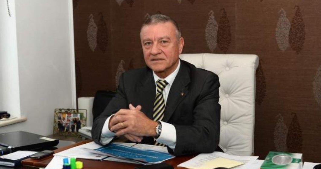 Fostul sef FRF, Mircea Sandu, urmarit penal pentru luare de mita si spalare a banilor