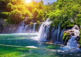 FOTO | Top CINCI cele mai frumoase piscine naturale din Europa