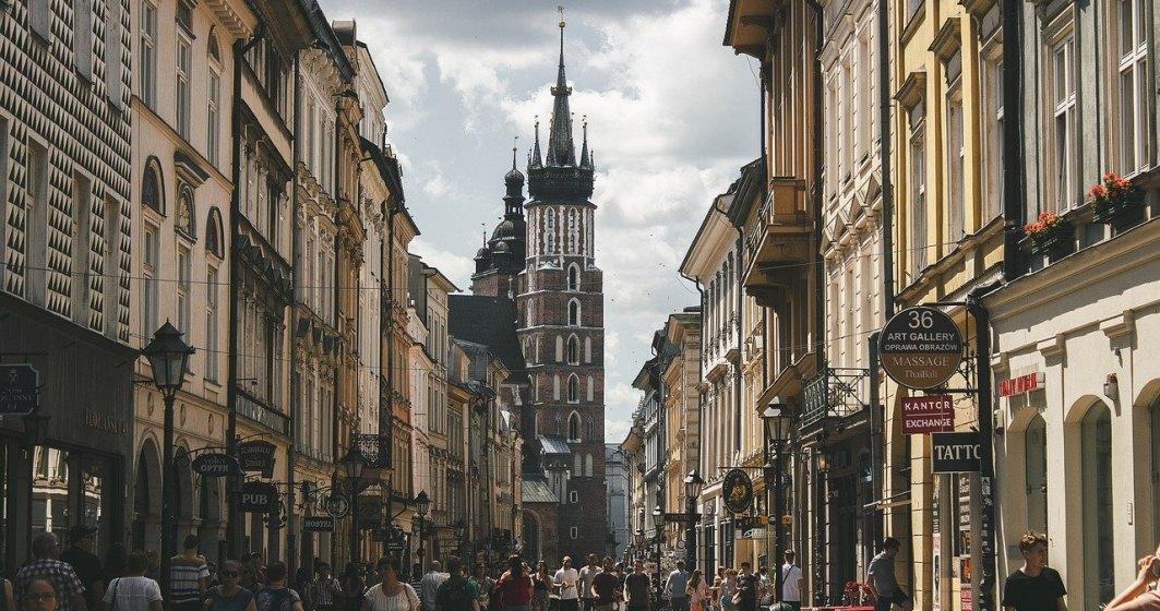 Polonia reintroduce orele speciale pentru persoanele în vârstă în magazine