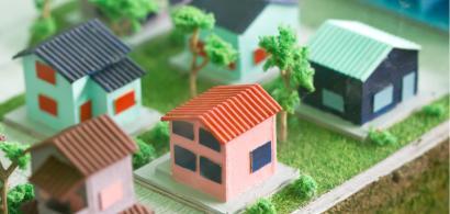 Studiu: 6 din 10 români se declară mulțumiți de locuințele în care stau