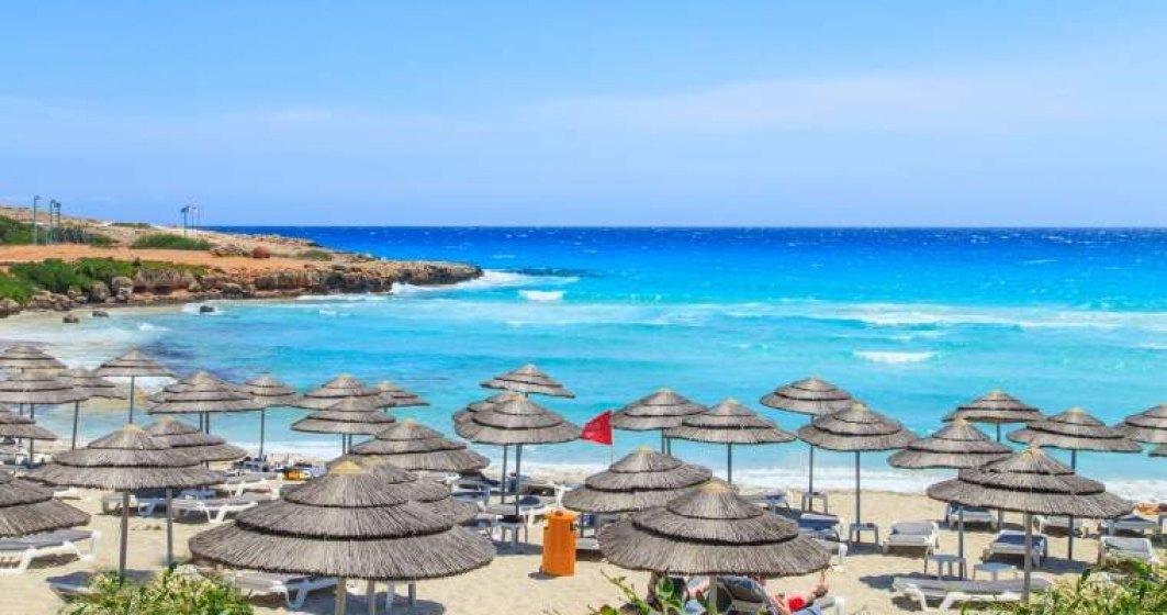 Peste 80% din turistii Mareea cu vacante din 3 septembrie au primit variante de relocare