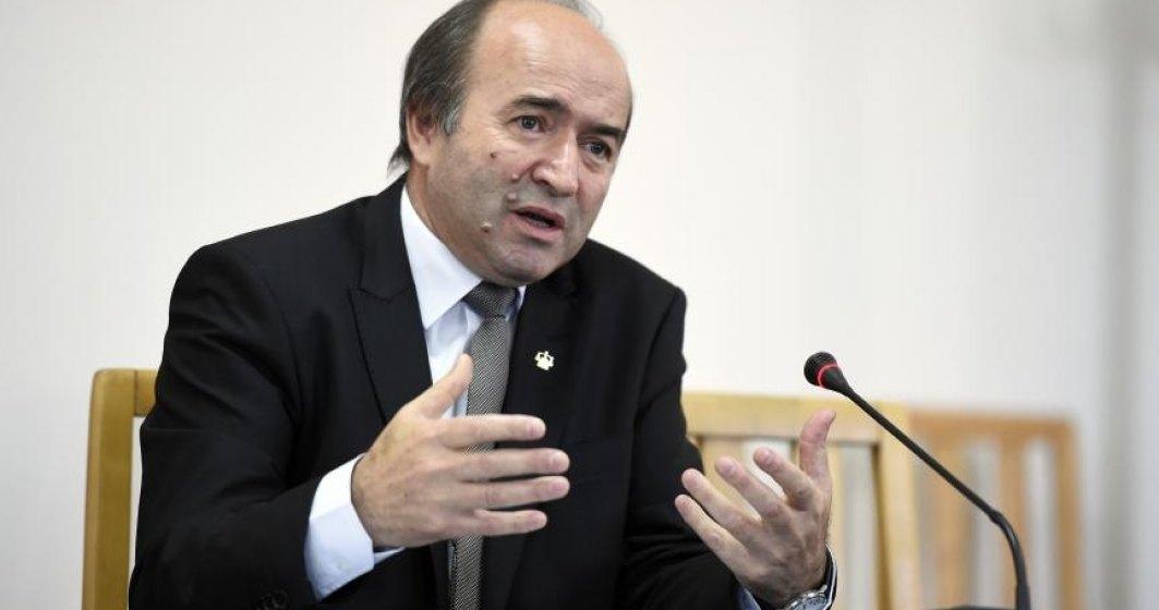 Toader: Despagubiri intre 5 si 8 euro pe zi pentru detinutii eliberati, care au stat in conditii improprii