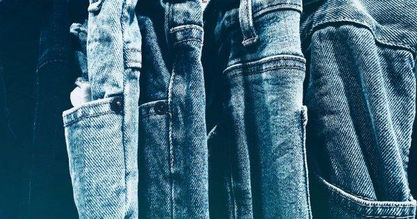 Blugii și alte haine din bumbac ar putea să se scumpească. Ce pericol apasă...