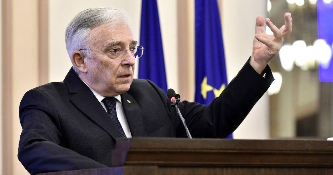Mugur Isarescu, BNR: Indatorarea tarii arata bine, datoria nu a crescut ca pondere in PIB.