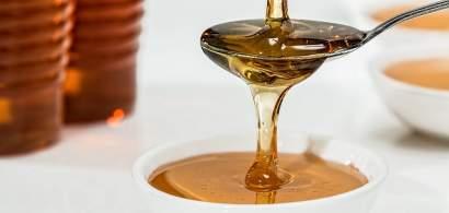 Trei criterii prin care putem deosebi mierea de calitate de cea contrafăcută