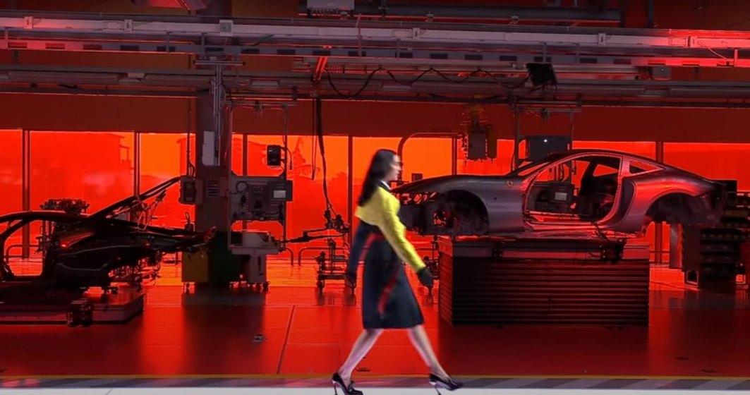 Ferrari lansează prima sa linie vestimentară, creată de fostul designer de la Armani