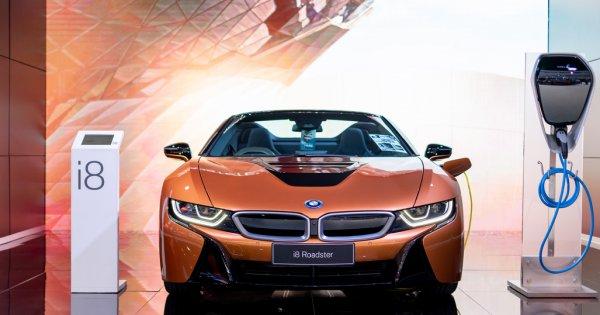 BMW mărește producția mașinilor electrice: comandă de baterii de 20 de...