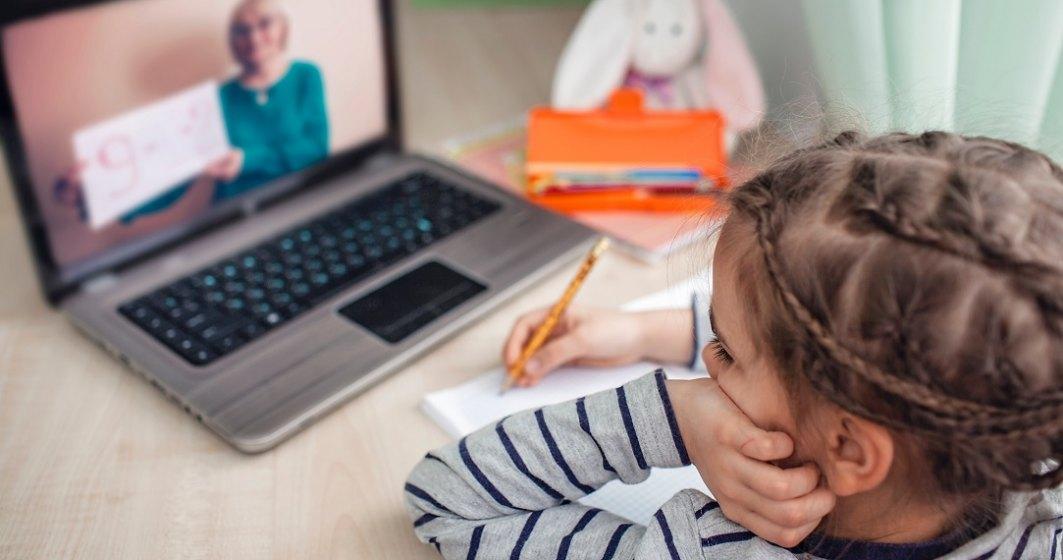 Noi infectări cu noul coronavirus împing încă un liceu din România către cursurile online