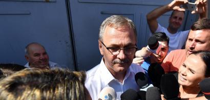 Liviu Dragnea, adus la DNA. Susținătorii acestuia i-au atacat cu iaurt și ouă...