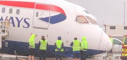 """Un avion Dreamliner 787 al British Airways a ajuns cu """"nasul"""" în asfalt, pe..."""