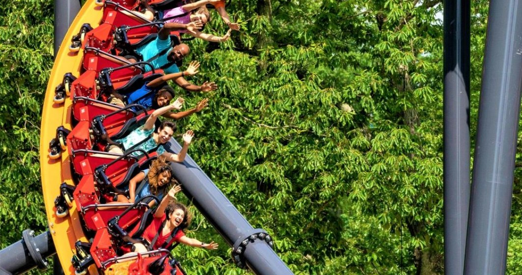 VIDEO | S-a deschis cel mai înalt roller coaster din lume, cu o singură cale ferată