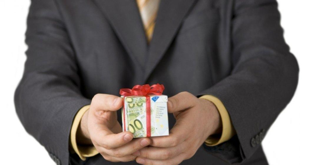 Veste mult asteptata: aproape jumatate din angajatori vor acorda bonusuri de Sarbatori