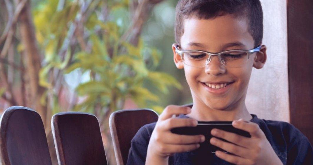 Reduceri eMAG cu ocazia campaniei eMAGIA copilariei: cumpara-i copilului tau un telefon cu o reducere de pana la 50%