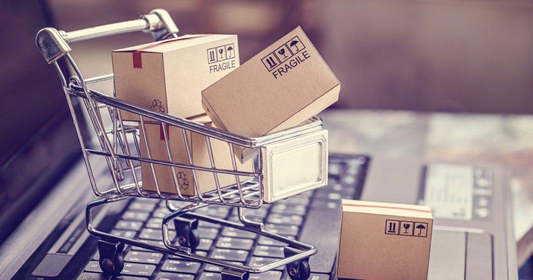 Mai mult de jumatate dintre romani fac cumparaturi online in timpul orelor de program