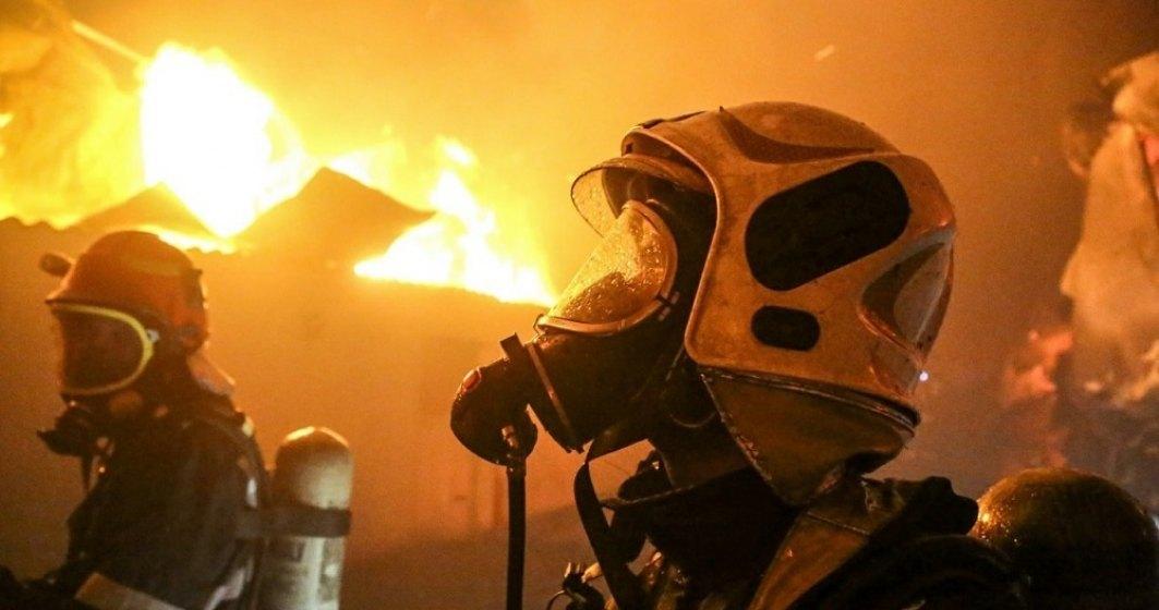 Medicul erou, rănit în incendiul de la Piatra Neamţ, a fost detubat