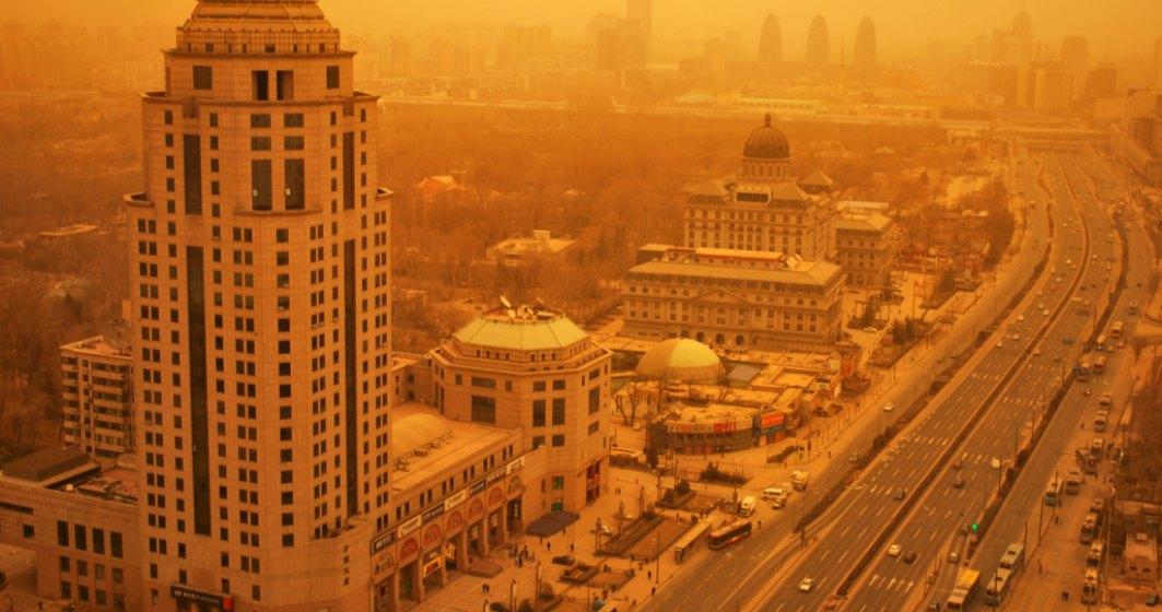 China a fost lovită de o furtună puternică, dar dușmanul imens e tot poluarea