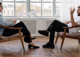 Efectele pandemiei: Românii vor ca angajatorii lor să le deconteze ședințele...