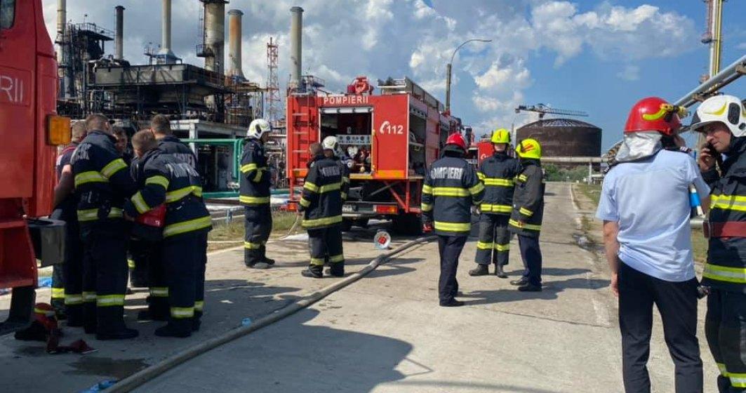 Rompetrol a stabilit o echipă de specialiști care să afle cauzele incendiului de la Petromidia