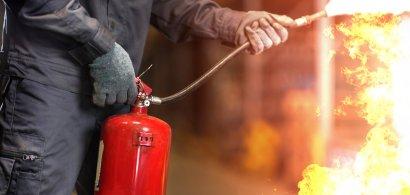 Ghidul complet de protecție împotriva incendiilor | Ce trebuie făcut, cum te...