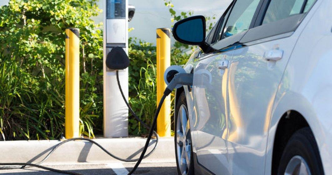 """Analistii estimeaza o """"supraoferta"""" de 14 milioane de masini electrice: """"Productia va depasi cererea clientilor pana in 2030"""""""