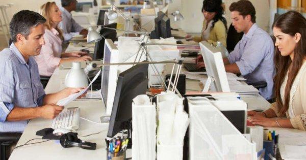 BestJobs: 1 din 5 angajați cred că ar obține aprobarea angajatorului de a...