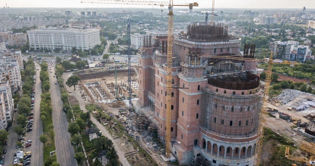 Revista presei 19 noiembrie: Gabriela Firea suplimenteaza cu inca 10 milioane de lei plata catre Catedrala Mantuirii Neamului