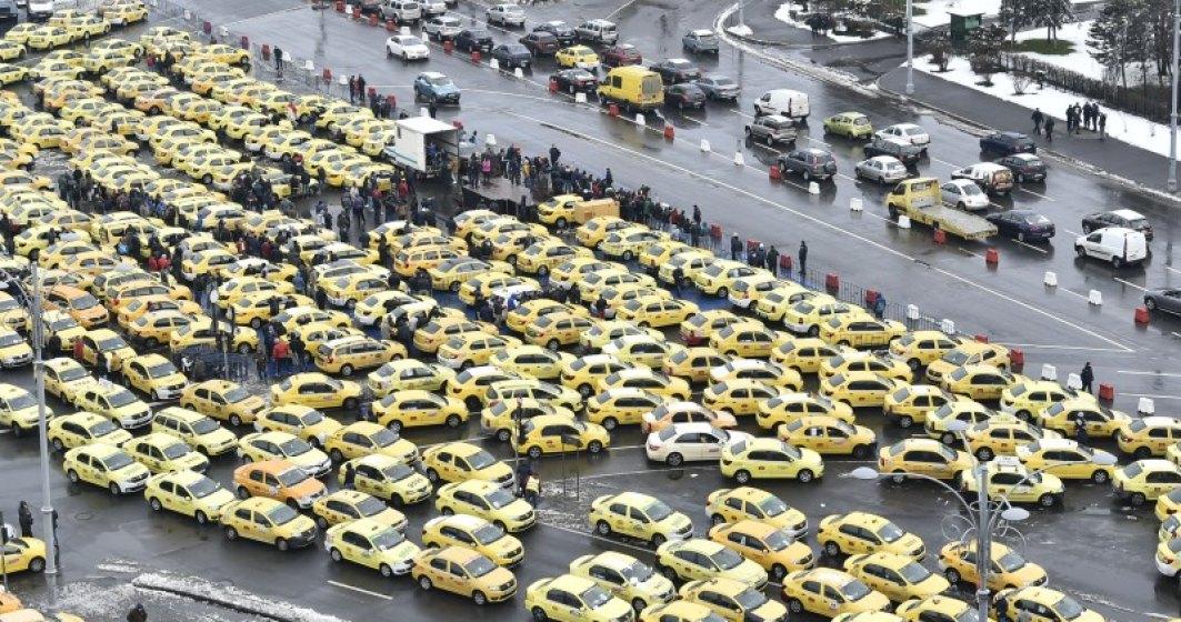 """Peste 1.600 de taximetristi protesteaza fata de """"ilegalitatile"""" practicate de platformele de tip Uber"""