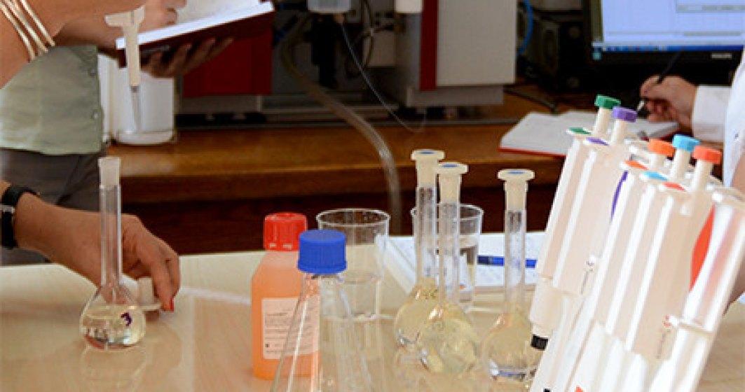 Cercetătorii Universităţii Politehnica din Bucureşti au inventat un nou tip de dezinfectant eficient împotriva COVID-19