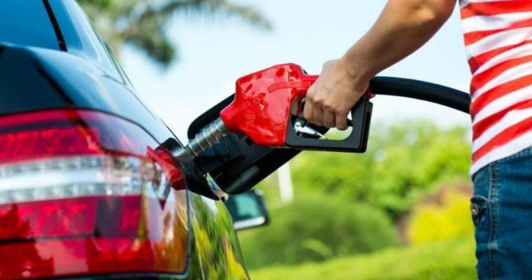 Cati litri de benzina poate cumpara un roman din salariul mediu versus un european