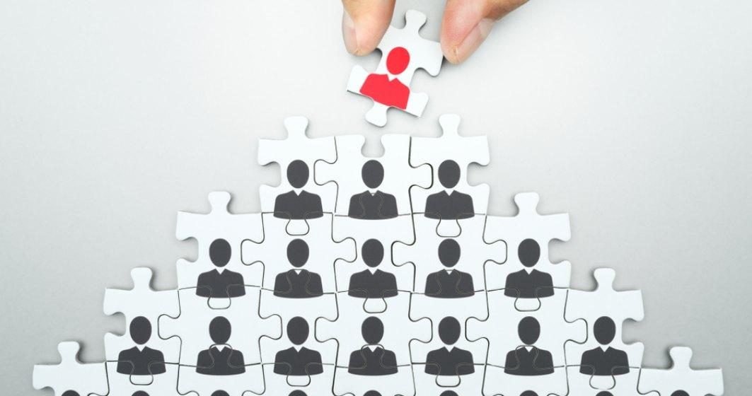 Coronavirusul lovește la nivel înalt: Companiile taie și angajările directorilor