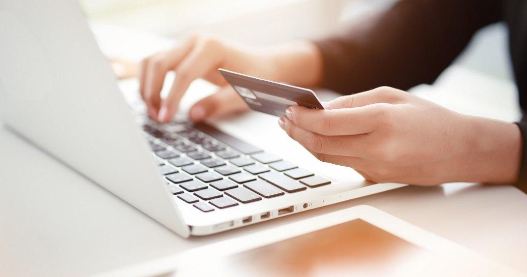 Pandemia de COVID-19, impact puternic pe zona de plăți online. Visa: creșteri de peste 50%