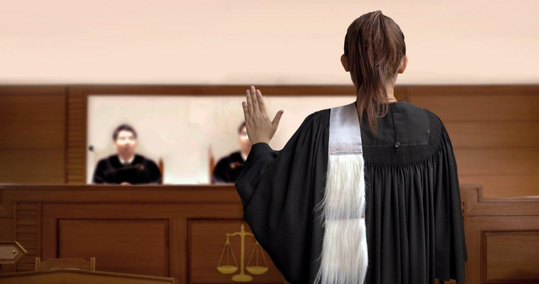 Covid dezbină generațiile: Un tribunal a decis că o minoră se poate vaccina împotriva dorinței mamei ei