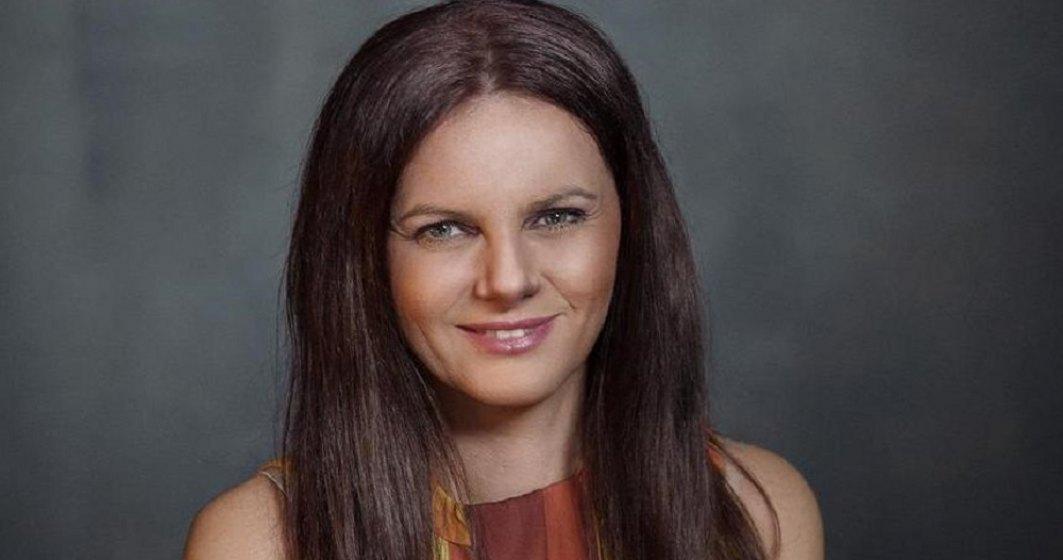 Delia Dragomir (Eucom), despre limbile străine: Încă purtăm stigmatul arătatului cu degetul atunci când se greșește