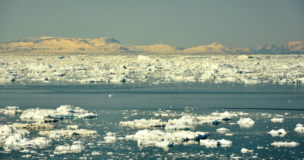 Caniculă și în Groenlanda: circa 8 miliarde de tone de gheață pe zi se topesc