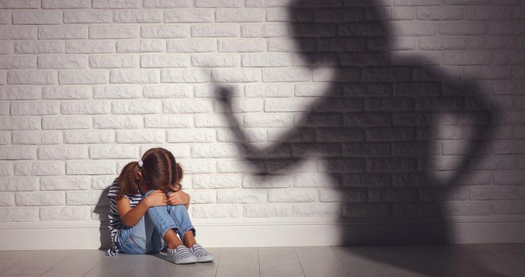 Un nou caz revoltător de violență în rândul minorilor: două fete de 11 ani lovesc o alta de 8 ani