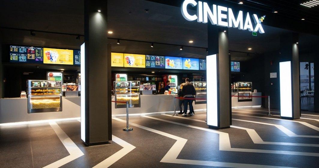 FOTO Cum arata cel mai nou cinematograf din Romania, unde iti vei putea comanda mancare de la restaurant in timpul filmului
