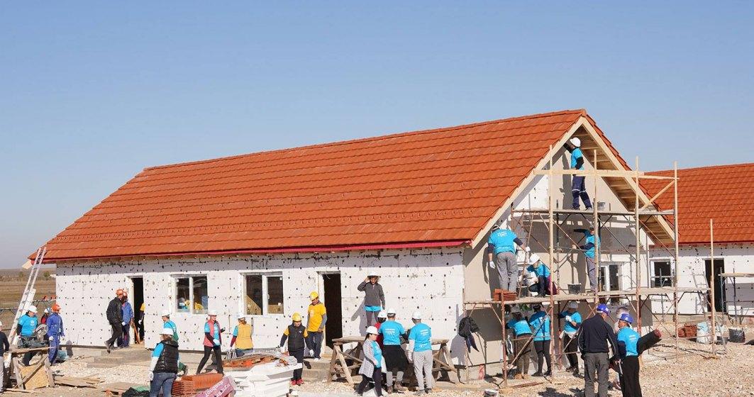 Big Build: Case construite de voluntari