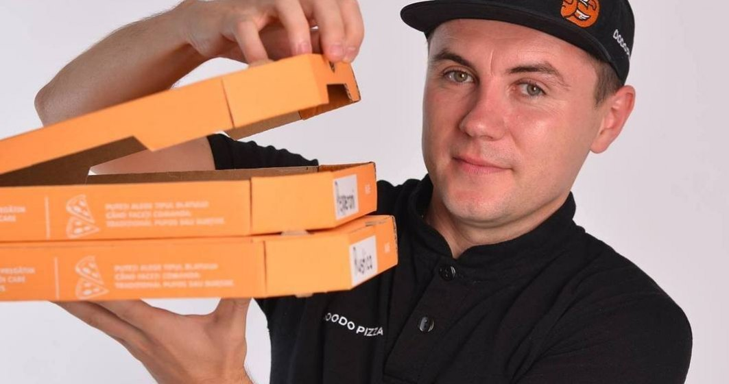 COVID-19 | Rețeaua de pizzerii Dodo Pizza livrează măști de protecție pentru față pentru clienții săi