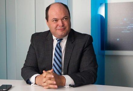 Ionut Dumitru: Leul incheie anul in jurul valorii de 4,65 lei/euro, iar inflatia urca la 4% in 2018