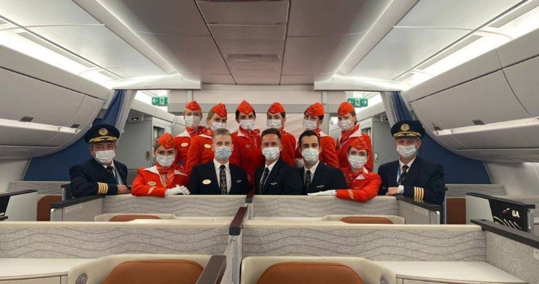 O companie aeriană rusă va crea locuri speciale în avion pentru cei care nu vor să poarte mască
