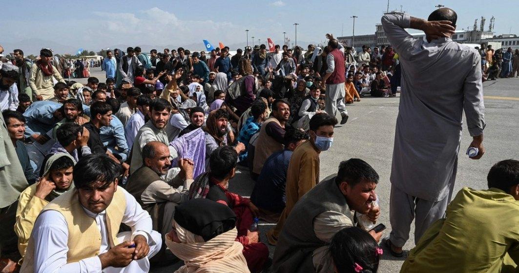 VIDEO  Explozii în apropierea aeroportului Kabul: 13 persoane au fost ucise