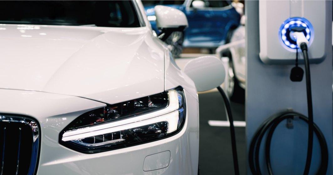 Vânzările de mașini electrice au explodat în UE