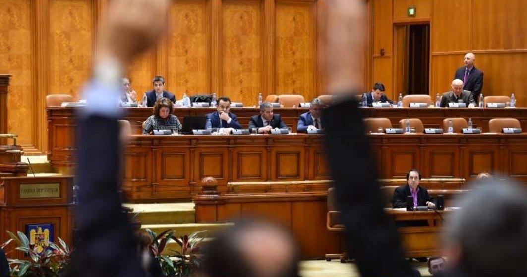 Proiect: Diminuarea cu 25% a indemnizațiilor senatorilor și deputaților