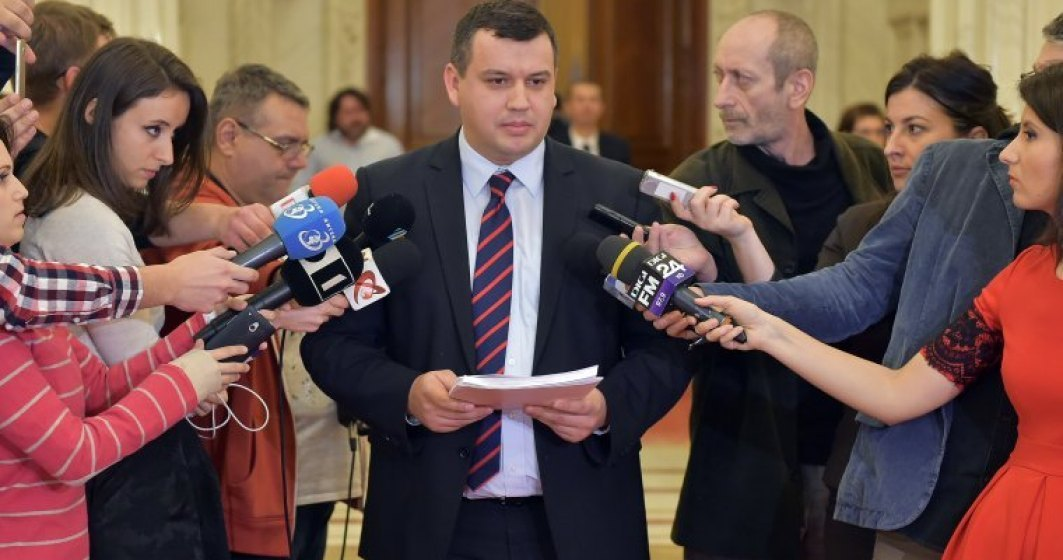 Eugen Tomac: Guvernul sta si chefuieste la mare in plina apocalipsa a pestei porcine