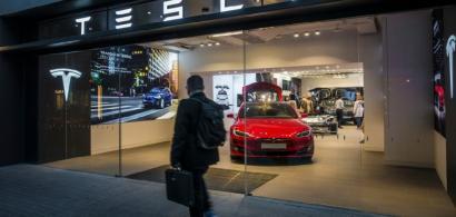 Tesla, câștiguri record de un miliard de dolari în al doilea trimestru