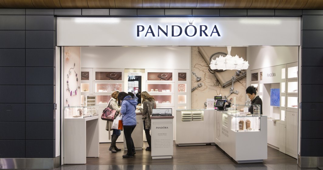 Pandora vrea să-și cucerească tinerii clienți prin bijuterii cu forme îndrăznețe, mai neprelucrate
